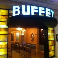 Das Foto wurde bei The Buffet at Bellagio von - DS - am 1/7/2013 aufgenommen
