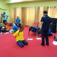 Photo taken at Stadium mini Kg Raja by Naz E. on 2/27/2014