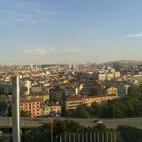 Photo taken at Ankara Üniversitesi Tıp Fakültesi Morfoloji Binasi by Demet G. on 6/6/2013