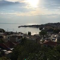 Photo taken at Neos Marmaras by Utku A. on 8/16/2018