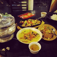 Photo taken at The Bird Curry Fish Head Restaurant by Sin L. on 2/12/2013