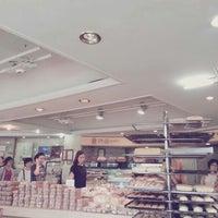 Photo taken at PNB 풍년제과 by JYLEE on 7/1/2013