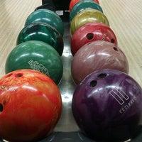 4/27/2013 tarihinde Lefide Berna Ş.ziyaretçi tarafından Rolling Ball Bowling'de çekilen fotoğraf