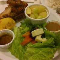 Photo taken at Kenny Rogers by Sj L. on 1/31/2014