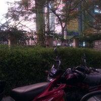 Photo taken at Ansal Plaza, Greater Noida by Abhishek K. on 5/12/2013