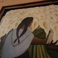 รูปภาพถ่ายที่ El Comal Mexican Restaurant โดย Armando T. เมื่อ 6/17/2013