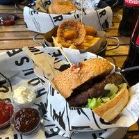 1/28/2018 tarihinde Ercan G.ziyaretçi tarafından Burger House'de çekilen fotoğraf