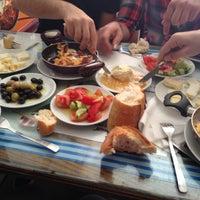 5/4/2013 tarihinde Mustafa K.ziyaretçi tarafından Doyuran Kahvaltı Salonu'de çekilen fotoğraf