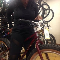 Photo taken at Freewheel Bike Shop by Yvette on 5/18/2014