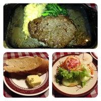 Photo taken at Mizu's Kitchen (Sarika Steak) by APPLEZA P. on 6/1/2013