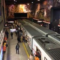 Photo taken at Parada 8 - Metro La Moneda (PA166) by Kevin  on 4/1/2014