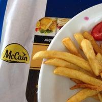 Foto tirada no(a) Restaurante Golden Grill por Thiago P. em 9/19/2017