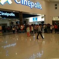 Foto tomada en Galerias Mall por Job V. el 4/29/2013