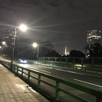 Снимок сделан в 青山陸橋 пользователем Yutaka A. 3/19/2016