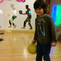 Photo taken at Planet Bowling Restaurant by Orkun T. on 4/30/2015