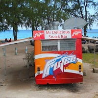 Photo prise au Mr. Delicious Snack Bar par www.barbados.org le9/27/2012
