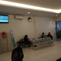 Photo taken at Joglosemar Executive Shuttle Bus by GodjesRahadi N. on 12/4/2017