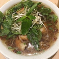 Photo taken at Phở Hòa by Leny G. on 3/15/2017