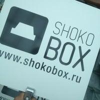 รูปภาพถ่ายที่ ShokoBox โดย Andrew K. เมื่อ 6/28/2013