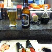 Photo taken at Tokyo Sushi Bar by Kidchèn Itzà on 5/7/2013