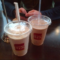 Foto scattata a Epic Burger da Greg C. il 1/24/2013