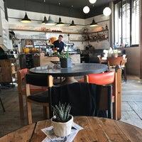 Das Foto wurde bei Café Búho von Lucila R. am 3/19/2018 aufgenommen
