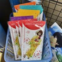 Das Foto wurde bei Books ORION von Yukkie am 6/11/2017 aufgenommen