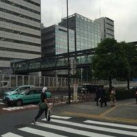 Photo taken at 希望の橋 (ブリッジ渋谷21) セルリアンタワー前歩道橋 by 江東橋 on 6/9/2016