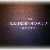 Foto tomada en Click Clack Hotel por Eugenia H. el 10/4/2013