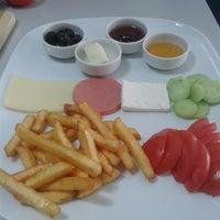 Photo taken at amasya isxir cafe by Gözde A. on 10/13/2013