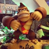 รูปภาพถ่ายที่ Nintendo NY โดย Danny W. เมื่อ 11/17/2014