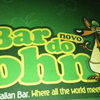 Foto tirada no(a) Bar do John por Renata M. em 6/22/2013