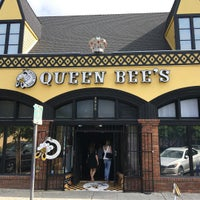 10/17/2015 tarihinde Mo O.ziyaretçi tarafından Queen Bee's Art & Cultural Center'de çekilen fotoğraf