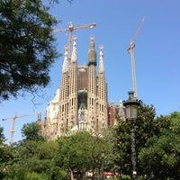 Foto tomada en Templo Expiatorio de la Sagrada Familia por Duy P. el 7/12/2013