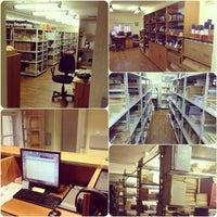 รูปภาพถ่ายที่ Библиотека СПбГУКИ โดย Tatiana I. เมื่อ 10/29/2013