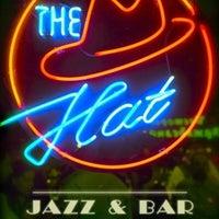 Снимок сделан в The Hat Bar пользователем Billy N. 5/12/2013