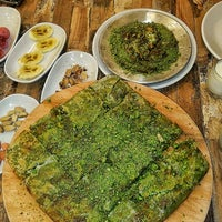 Foto tomada en Özikizler Künefe por Büşra E. el 9/30/2017
