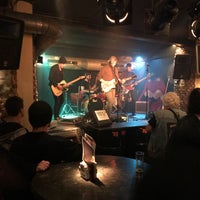Foto tirada no(a) Rock Classic Bar por Philippe B. em 12/1/2017