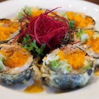 Photo prise au Yen Sushi & Sake Bar (Century City) par Locu L. le11/12/2015