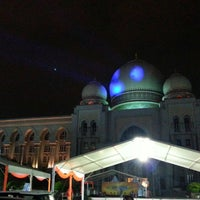 Photo taken at Istana Kehakiman (Palace of Justice) by Azril Hafiz A. on 3/23/2013