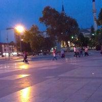 5/28/2013 tarihinde Eznuke E.ziyaretçi tarafından Çınar Meydanı'de çekilen fotoğraf