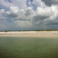 Photo taken at Caladesi Island State Park by Theresa✨🐘 on 6/9/2013