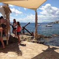 Foto tomada en El Pirata Beach Club por Veronique B. el 7/21/2014
