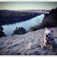 Foto tomada en Covert Park at Mt. Bonnell  por Jeni ☆. el 2/7/2013