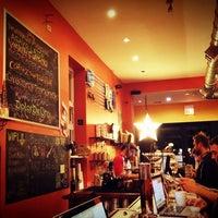 Das Foto wurde bei Dark Matter Coffee (Star Lounge Coffee Bar) von Jeni ☆. am 1/29/2013 aufgenommen