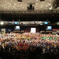 2/23/2013 tarihinde Brad P.ziyaretçi tarafından Memorial Coliseum'de çekilen fotoğraf