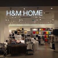 Снимок сделан в H&M Home пользователем Валентина С. 10/23/2013