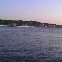 Photo taken at Ayvalık Canlı Balık Restaurant by Gürdal K. on 7/13/2013