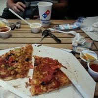 10/18/2013 tarihinde Can B.ziyaretçi tarafından Domino's'de çekilen fotoğraf