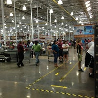Photo taken at Costco Wholesale by 🇷🇺🐝Natalia F🐝🇷🇺 on 8/17/2013